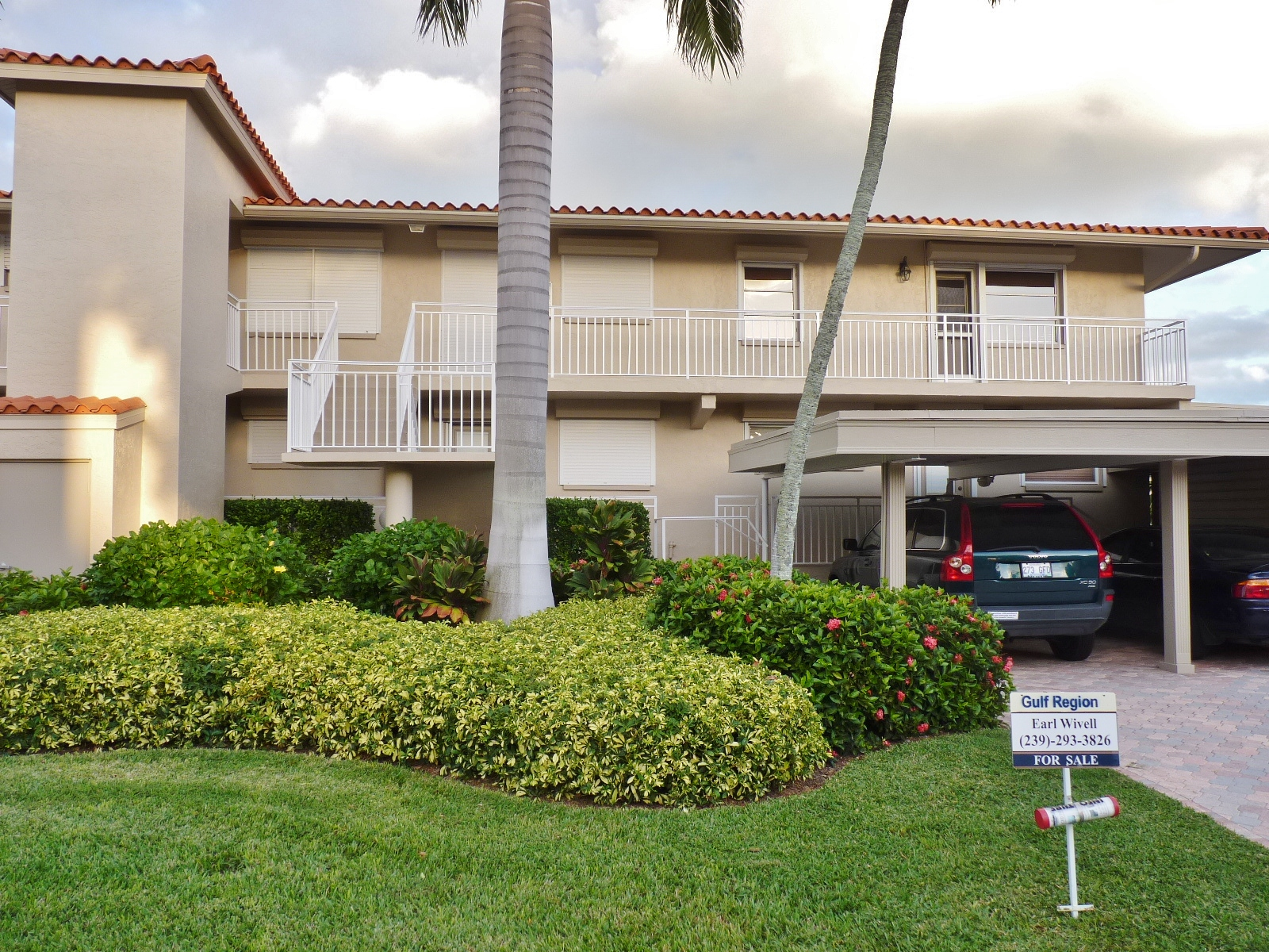 Waterfront Condo For Sale - Naples Florida Real Estate
